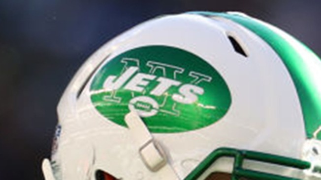 4 Interceptions Help Dolphins Beat Darnold and Jets, 13-6