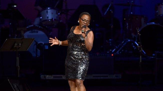 Big-Voiced Dap-Kings Soul Singer Sharon Jones Dies at 60