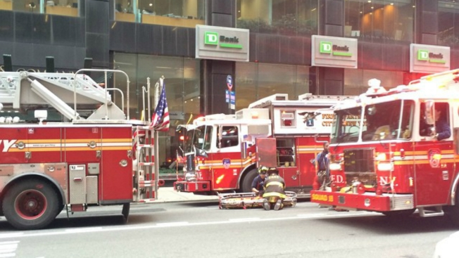 4 Workers Hurt During Demolition of Building Near Grand Central: Officials