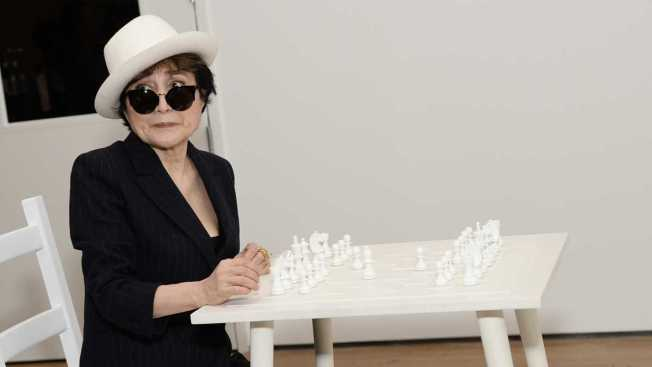 Yoko Ono Hospitalized with Flu Symptoms: Sources