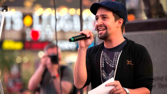 Lin-Manuel Miranda Celebrates Immigrants in Acceptance Speech for Kennedy Prize
