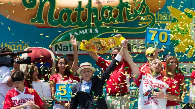 joey chestnut eats record breaking 70 hot dogs at nathan 39 s
