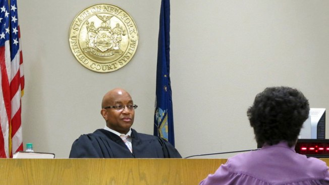 Goal of Nation's First Opioid Court: Keep Users Alive