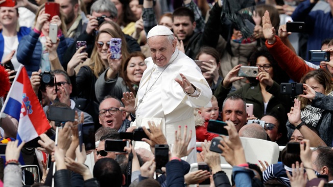 'Hope and Dignity': Pope Calls for Peace in Easter Message