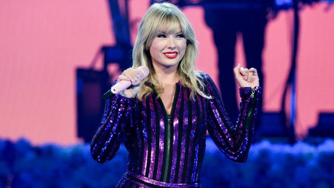 Taylor Swift to Receive Artist of the Decade Award at AMAs