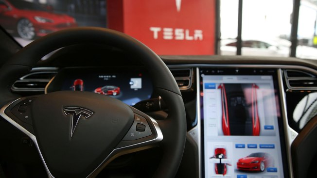Operational limits played key role in Tesla crash on autopilot, board says