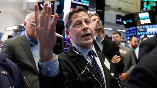 Wall Street Faces Annual Losses Despite Solid Gains for Week