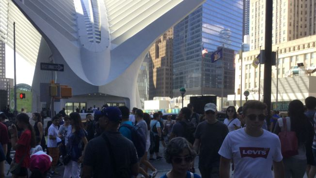 path service at world trade center resumes after
