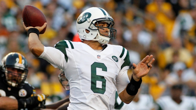 Former Jets QB Mark Sanchez Agrees to Contract With Eagles: AP