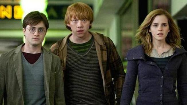 Harry Potter Heads for the Stage in London
