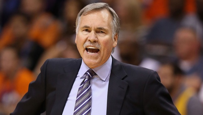 Los Angeles Lakers Coach D'Antoni Resigns