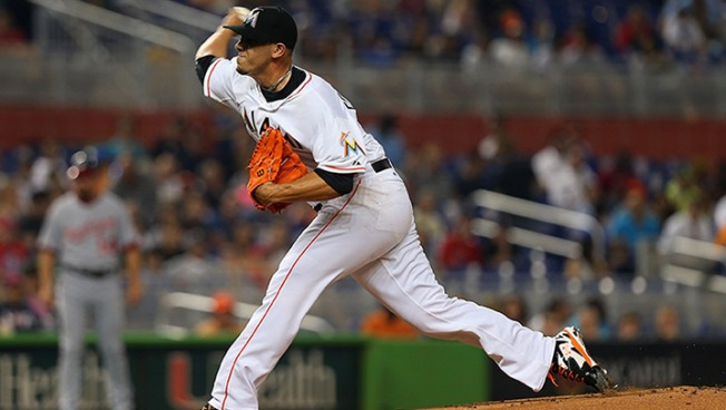 Marlins' Fernandez May Need Season-Ending Elbow Surgery
