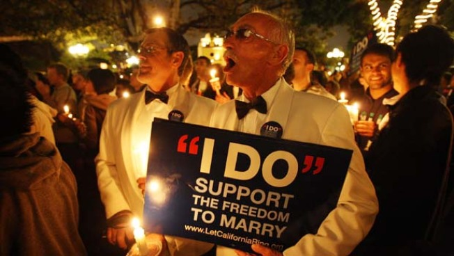New Yorkers Still Divided on Gay Marriage: Poll