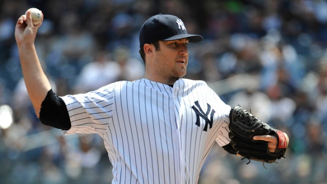 Hughes Gives Up 3 HRs, Yankees Lose to Twins 4-1