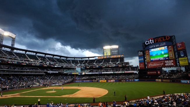 Mets Stormed Over in 11-3 Loss to Braves