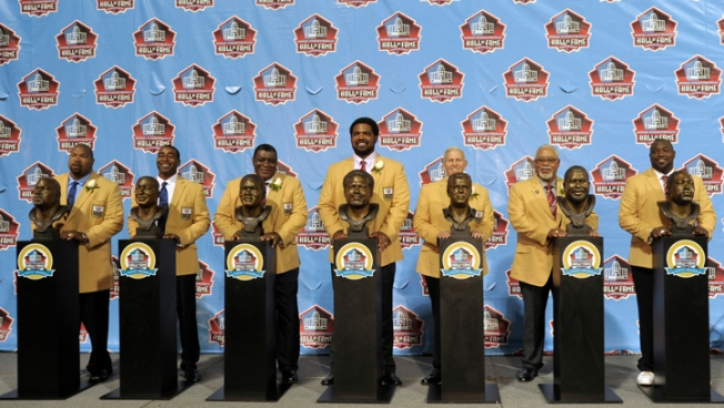 Cris Carter Leads Pro Football Hall of Fame Class of 2013