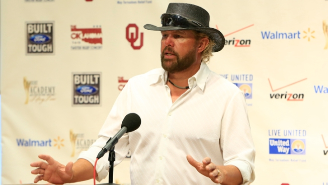 Concert for Okla. Tornado Victims Draws Big Names
