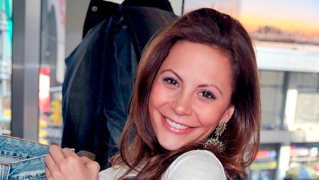 """Bachelor's"" Gia Allemand Dies at Age 29"