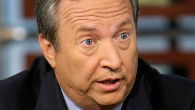 Summers Warns That Stimulus Battle Not Yet Over