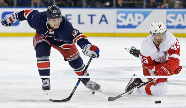 Rangers Score Late in 3-2 Win Over Red Wings