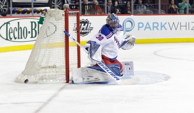 Rangers Top Flyers 3-2 in SO as Lundqvist Reaches 20 Wins