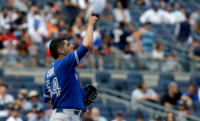 Blue Jays Top Yanks, 2-0, Complete 3-Game Sweep
