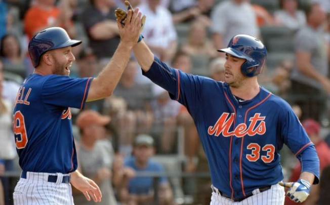 Harvey Homers in 4-2 Win over D'Backs