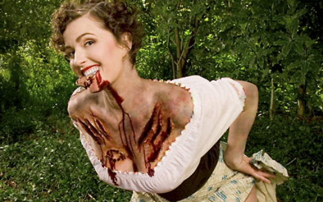 Calendars 2009: Zombie Pinups
