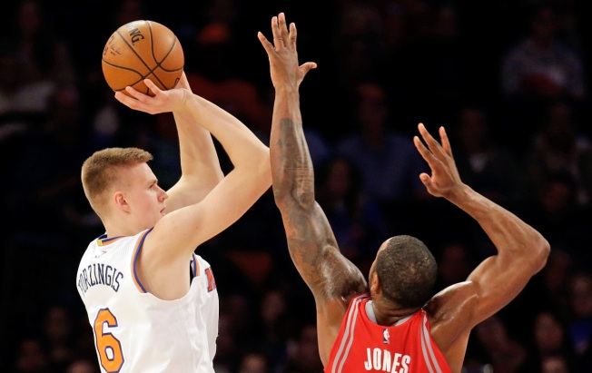 Melo-less Knicks Fall to Rockets 116-111