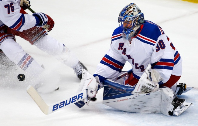 Rangers Top Penguins 4-2, Series Tied 1-1