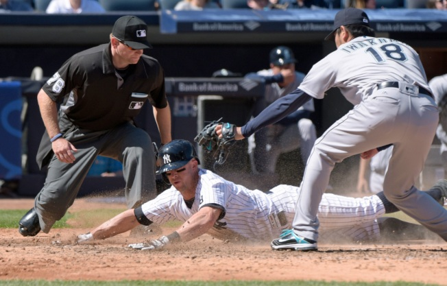 Tanaka 3-Hits Mariners in 4-2 Yankee Win
