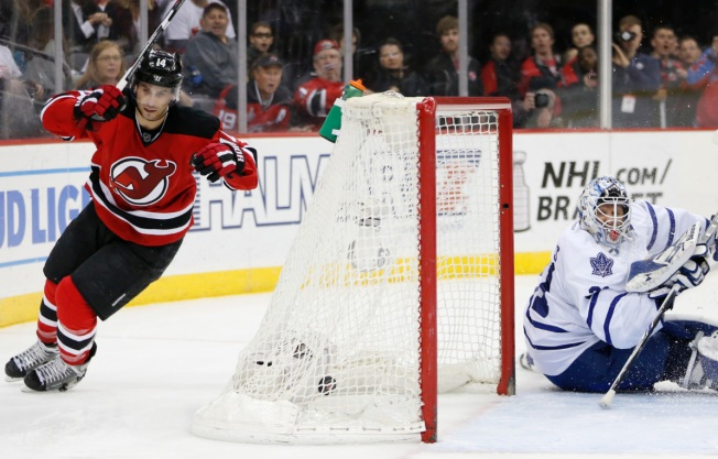 Lowly Devils Top Lowly Maple Leafs 5-1