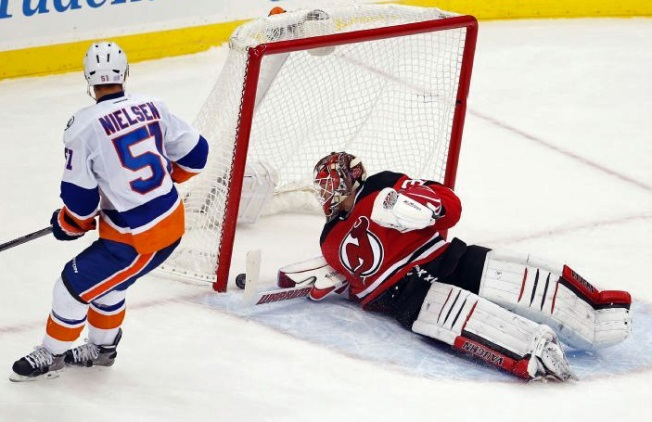 Devils Edge Islanders in Shootout, 3-2