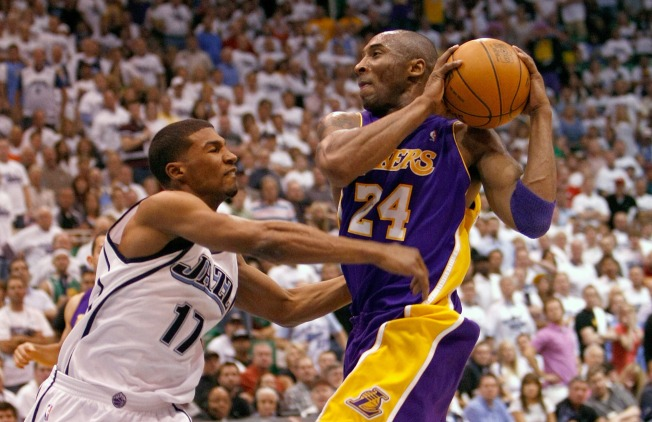 Fisher, Kobe Bring the Lakers Another Win