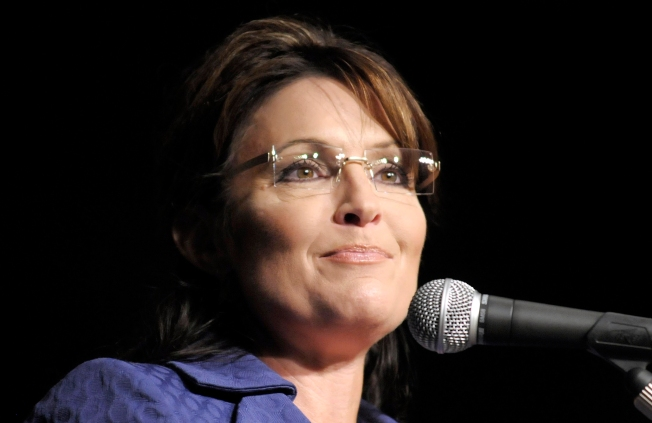 "Tom Bergeron: ""Dancing"" Crowd Wasn't Booing Sarah Palin"