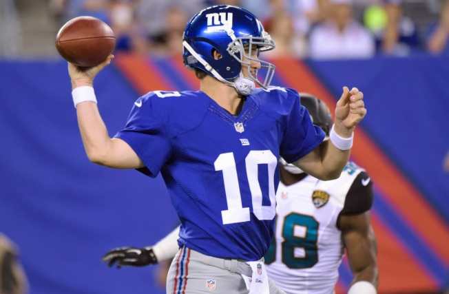 Giants Top Jaguars, 22-12