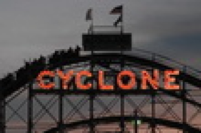 Cyclone Ride of Death Results in Lawsuit: You might want to think twice...