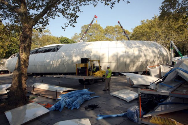 Zaha Hadid's Orb of Insanity Touches Down in Central Park
