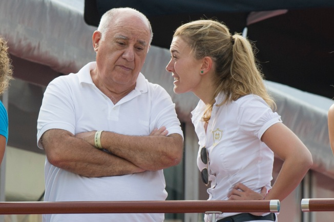 Zara Founder Amancio Ortega Briefly Overtakes Bill Gates as Richest Man in World
