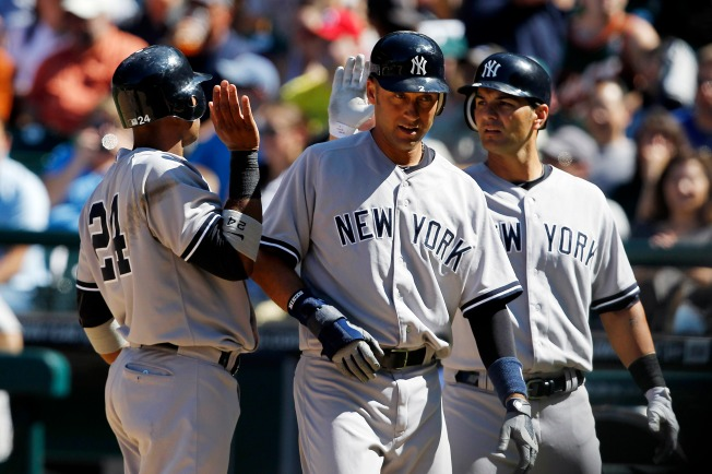 Mariners Can't Hold on Late in 5-2 Loss to Yankees