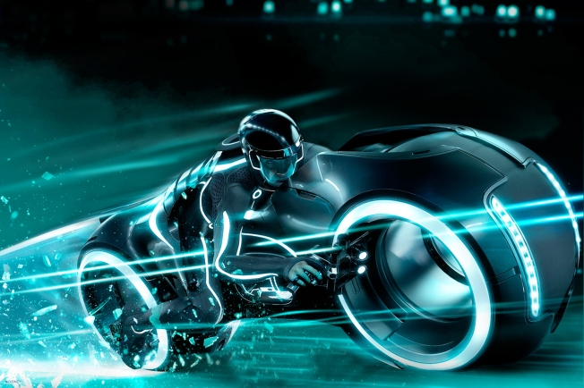 "New Video Montage For Daft Punk's ""Derezzed"" Gets 'Tron' Fans Stoked"