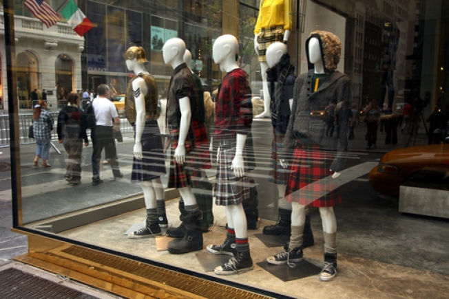 In The Window: Juicy Improperly Kilted Out