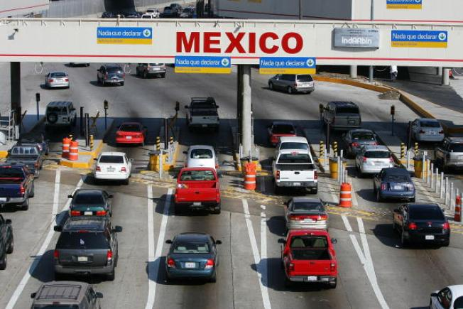 Mexicans Flee U.S. as Economy Tanks