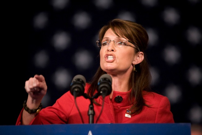 Palin camp knocks critics