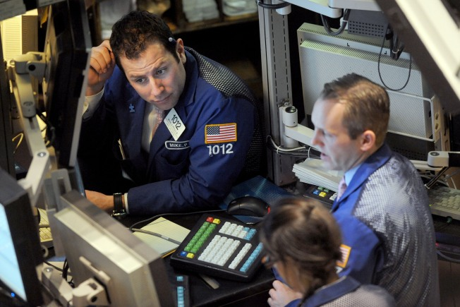 Stocks Falter as Investors Battle Uncertainty