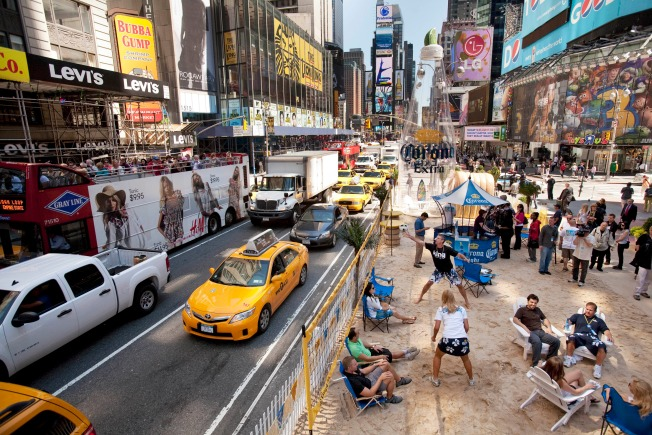 NYC on Track for Record Number of Tourists in 2010