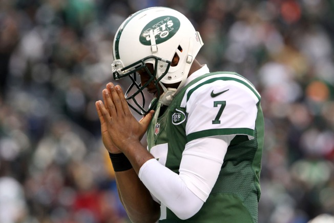 Jets Have More Questions Than Answers at Quarterback