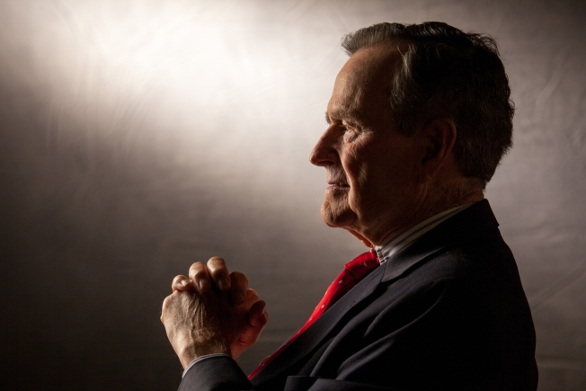 George HW Bush to Vote for Hillary Clinton