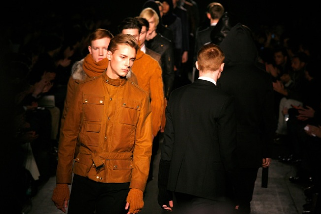 Simon Spurr Fall 2011: Perfectly Tailored Suits and Great Knits