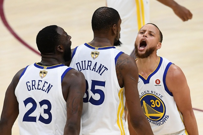 Warriors Rally to Beat Cavs in Game 3 of NBA Finals
